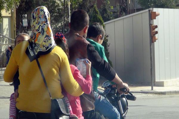 5 Kişilik Ailenin Tehlikeli Yolculuğu