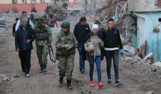 Sur'da Mahsur Kalan 6 Vatandaş Kurtarıldı