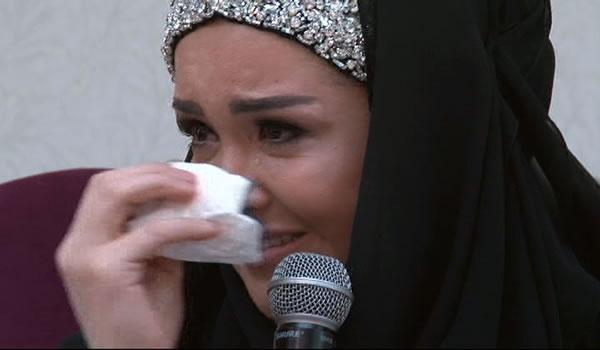 Ünlü Modacı Tesettüre Girmesini Gözyaşları İle Anlattı