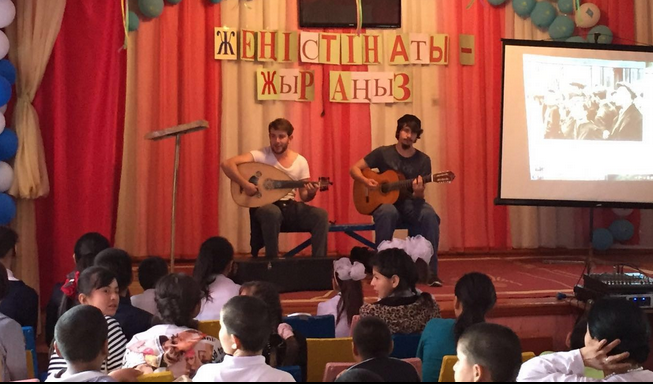 Türkistanlı Çocuklara 23 Nisan Sürprizi