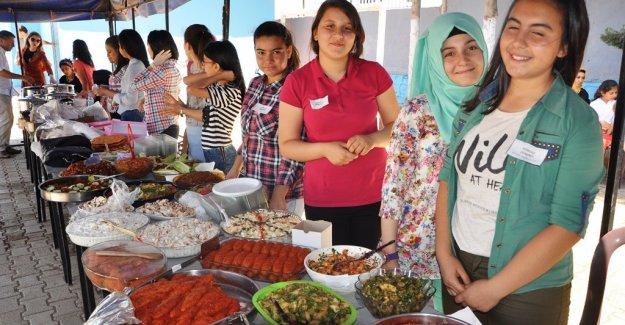 Rehanlı'da Öğrencilerden Kermes Ve Sergi