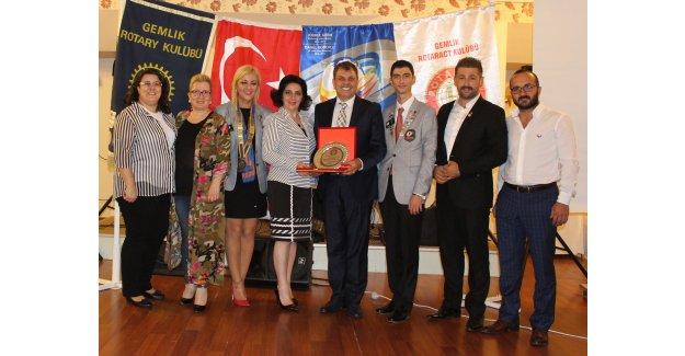 Gemlik Rotary Meslek Hizmet Ödülü Olcay Baykız'a Verildi