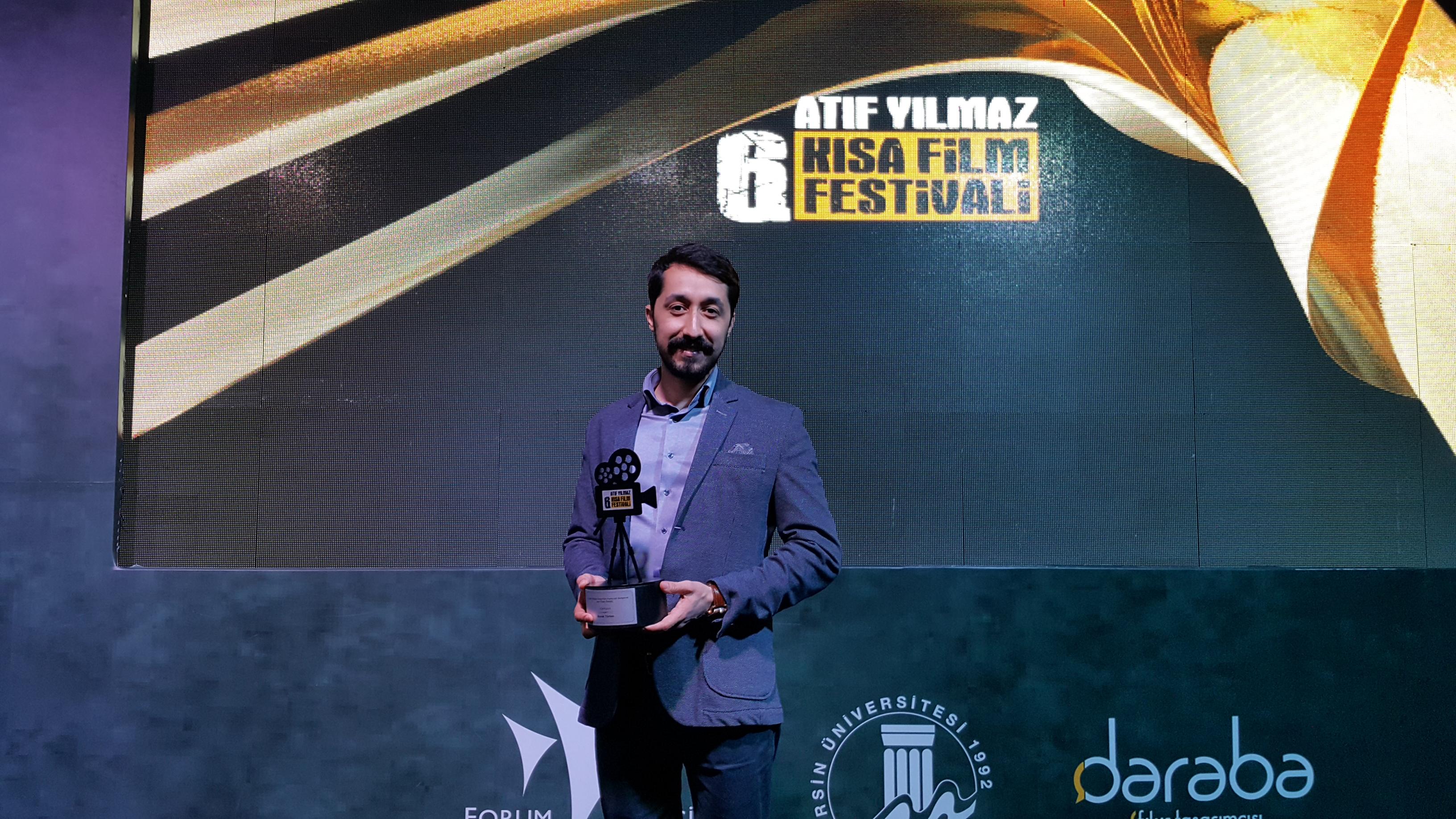 Yönetmen Burak Türten yeni filminin ilk ödülünü aldı