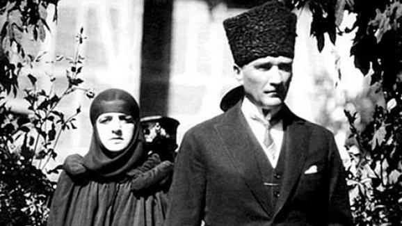 Atatürk'ün Nikahını Da İzmir Müftüsü Kıymıştı!