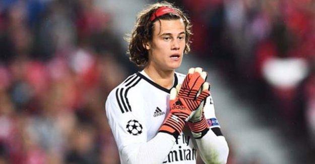 UEFA Şampiyonlar Ligi'nin En Genç Kalecisi Benfica'da: Mile Svilar