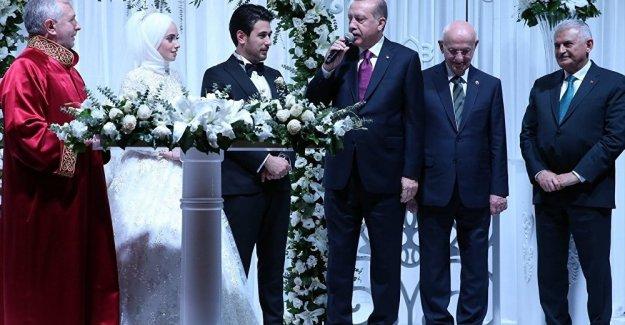 İlk Müftü Nikahı Cumhurbaşkanı Erdoğan'ın Şahitliğinde Kıyıldı