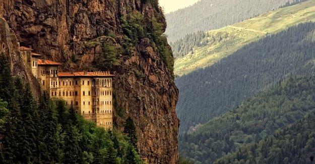 Sümela Manastırı'nda Yeni Keşif: Gizli Geçitle Ulaşılan ''Şapel'' Bulundu