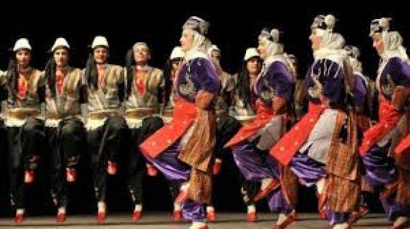 Türk Halk Oyunları Ekibi Macaristan'a İltica Ettİ Savcılık Soruşturma Başlattı