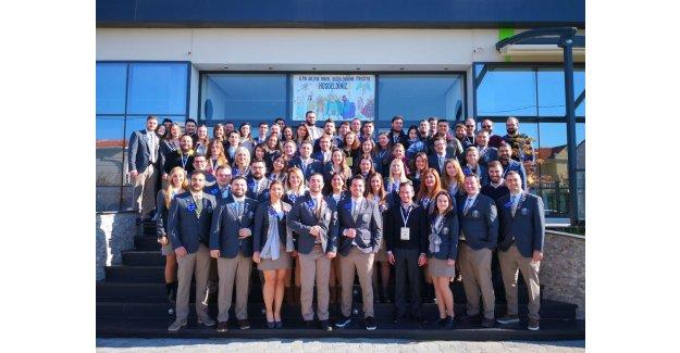 Rotaract'lardan Yıllık Değerlendirme Toplantısı