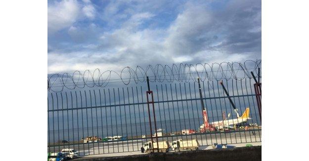 Trabzon'da Kaza Yapan Pegasus Uçağı Kaldırıldı, Uçuşlar Yeniden Başlatıldı