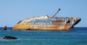 Singapur Boğazında 2 Gemi Çarpıştı