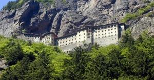 Sümela Manastırı'nın Restorasyonu Havaya Takıldı